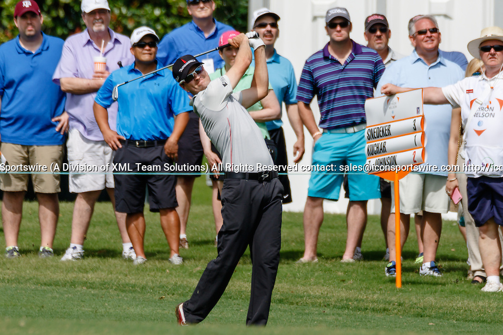 28 MAY 2015: Zach Johnson hits his approach shot to #1 during the first round of the AT&T Byron Nelson Championship in Irving, TX.