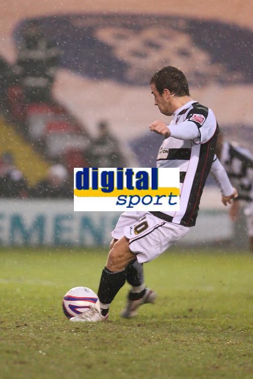 Photo: Pete Lorence/Sportsbeat Images.<br />Lincoln City v Darlington. Coca Cola League 2. 22/12/2007.<br />Clark Keltie scoring Darlington's second goal from the penalty spot.