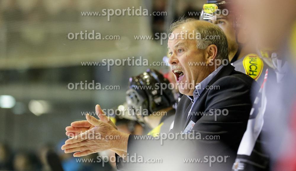 18.09.2015, Messestadion, Dornbirn, AUT, EBEL, Dornbirner Eishockey Club vs EC Red Bull Salzburg, 3. Runde, im Bild Dave MacQueen, (Dornbirner Eishockey Club, Head Coach) // during the Erste Bank Icehockey League 3rd round match between Dornbirner Eishockey Club vs EC Red Bull Salzburg at the Messestadion in Dornbirn, Austria on 2015/09/18. EXPA Pictures © 2015, PhotoCredit: EXPA/ Peter Rinderer