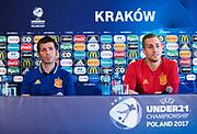 KRAKOW, POLEN - 2017-06-29:  Albert Celades och Gerard Deulofeu under Spaniens U21 landslags tr&auml;ning den 29 juni p&aring; Krakow Stadium i Krakow, Polen.<br /> Foto: Nils Petter Nilsson/Ombrello<br /> ENDAST REDAKTIONELL ANV&Auml;NDNING. ***BETALBILD***