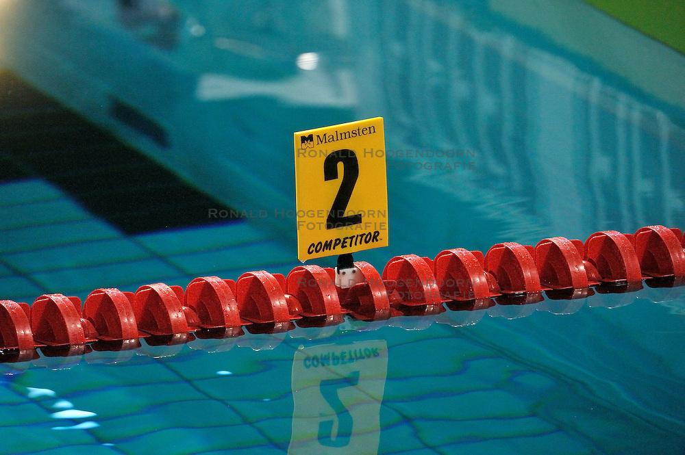08-04-2011 ZWEMMEN: SWIMCUP: EINDHOVEN<br /> Zwemmen, baan, bord <br /> &copy;2011 Ronald Hoogendoorn Photography