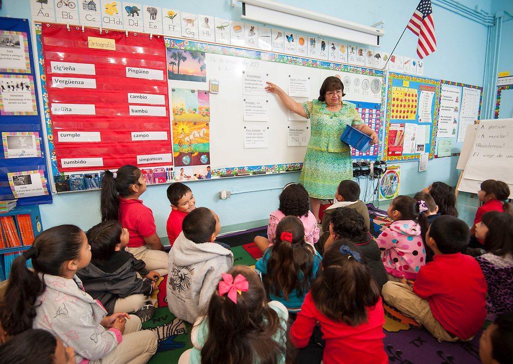 Herlinda Naranjo teaches her 1st grade class at Janowski Elementary School, May 16, 2013.