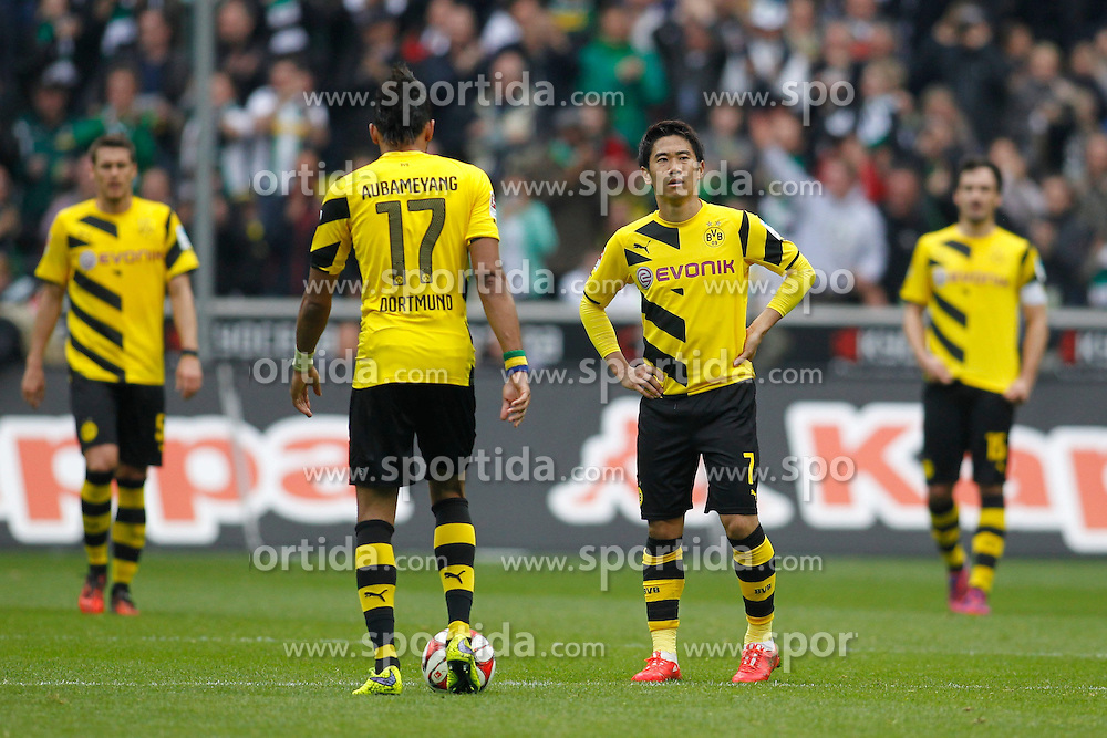 11.04.2015, Borussia Park, Moenchengladbach, GER, 1. FBL, Borussia Moenchengladbach vs Borussia Dortmund, 28. Runde, im Bild vl: Sebastian Kehl (Borussia Dortmund #5), Pierre-Emerick Aubameyang (Borussia Dortmund #17), Shinji Kagawa (Borussia Dortmund #7) und Mats Hummels (Borussia Dortmund #15) // 15054000 during the German Bundesliga 28th round match between Borussia Moenchengladbach and Borussia Dortmund at the Borussia Park in Moenchengladbach, Germany on 2015/04/11. EXPA Pictures &copy; 2015, PhotoCredit: EXPA/ Eibner-Pressefoto/ Sch&uuml;ler<br /> <br /> *****ATTENTION - OUT of GER*****