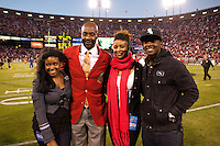 20 September 2010: Hall of Fame wide receiver (80) Jerry Rice of the San Francisco 49ers poses with his children during his 49ers Hall of Fame induction during halftime of the New Orleans Saints 25-22 victory over the 49ers at Candlestick Park in San Francisco, CA.
