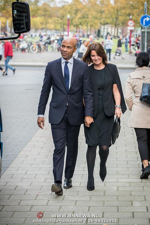 NLD/Amsterdam/20171014 - Besloten herdenkingsdienst overleden burgemeester Eberhard van der Laan, Humberto Tan en partner Ineke Geenen