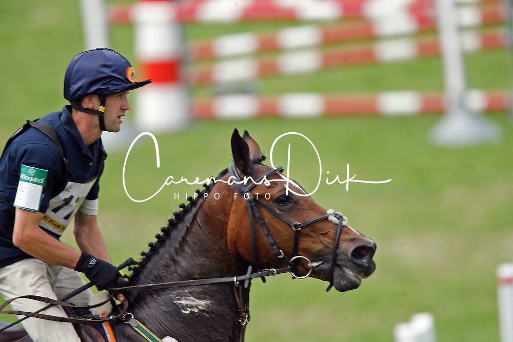 Kooremans Raf - Izanetta<br /> Nationaal kampioenschap eventing LRV <br /> Tongeren 2007<br /> Photo &copy; Hippo Foto