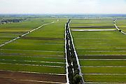 Nederland, Utrecht, Lopikerwaard, 23-05-2011; Noordzijdsekade met polderlandschap gevormd door sloten wegens veenafgraving. Polder landscape with drainage ditches. luchtfoto (toeslag), aerial photo (additional fee required).copyright foto/photo Siebe Swart