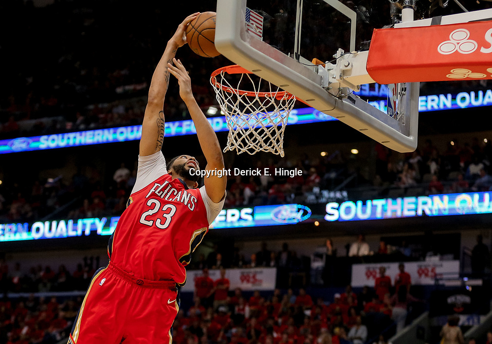 May 4, 2018; New Orleans, LA, USA; New Orleans Pelicans forward Anthony Davis (23) dunks against the Golden State Warriors during the fourth quarter in game three of the second round of the 2018 NBA Playoffs at Smoothie King Center. The Pelicans defeated the Warriors 119-100. Mandatory Credit: Derick E. Hingle-USA TODAY Sports