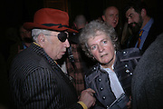 George Melly and Maggi Hambling, Maggi Hambling The Works, and Conversations with ?Andrew Lambirth. the Polish Club. 18 January 2006.  ONE TIME USE ONLY - DO NOT ARCHIVE  © Copyright Photograph by Dafydd Jones 66 Stockwell Park Rd. London SW9 0DA Tel 020 7733 0108 www.dafjones.com