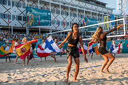 15-07-2018 NED: CEV DELA Beach Volleyball European Championship day 1<br /> Opening van het DELA EK Beach Volleybal 2018 / Dance during the opening