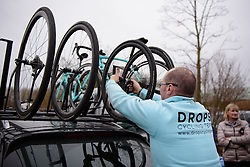 Drops prepare their car at the 124.2 km Omloop Het Nieuwsblad - Elite Women on February 25th 2017, starting and finishing in Gent, Belgium. (Photo by Sean Robinson/Velofocus)