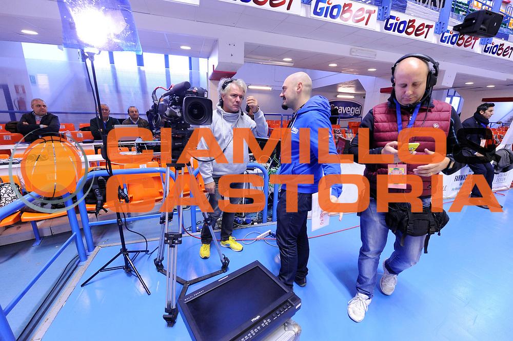 DESCRIZIONE : Brindisi  Lega A 2015-16<br /> Enel Brindisi Grissin Bon Reggio Emilia<br /> GIOCATORE : Operatore telecamere<br /> CATEGORIA : Ritratto<br /> SQUADRA : Sky sport hd TV<br /> EVENTO : Campionato Lega A 2015-2016<br /> GARA :Enel Brindisi Grissin Bon Reggio Emilia<br /> DATA : 13122015<br /> SPORT : Pallacanestro<br /> AUTORE : Agenzia Ciamillo-Castoria/D.Matera<br /> Galleria : Lega Basket A 2015-2016<br /> Fotonotizia : Brindisi  Lega A 2015-16 Enel Brindisi Grissin Bon Reggio Emilia<br /> Predefinita :