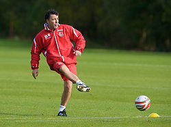 CARDIFF, WALES - Tuesday, October 7, 2008: Wales' assistant coach Dean Saunders during training at the Vale of Glamorgan Hotel ahead of the 2010 FIFA World Cup South Africa Qualifying Group 4 match against Liechtenstein. (Photo by David Rawcliffe/Propaganda)