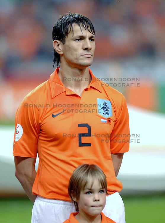11-10-2006 VOETBAL: EK KWALIFICATIE: NEDERLAND - ALBANIE: AMSTERDAM<br /> Het Nederlands voetbalelftal heeft in Amsterdam in de EK-kwalificatie met moeite Albanie met 2-1 verslagen / Khalid Boulahrouz <br /> &copy;2006-WWW.FOTOHOOGENDOORN.NL