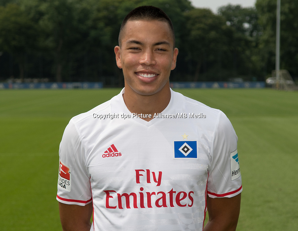German Bundesliga - Season 2016/17 - Photocall Hamburger SV on 25 June 2016 in Hamburg, Germany: Bobby Wood. Photo: Axel Heimken/dpa  | usage worldwide