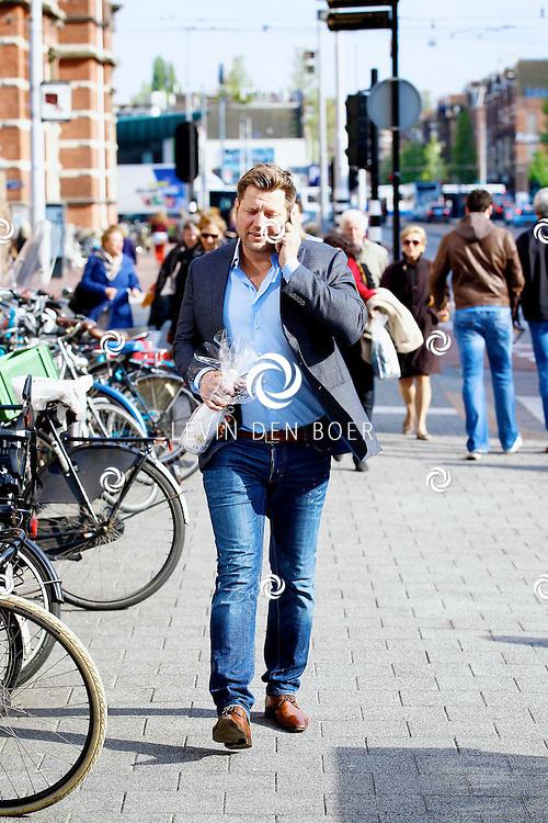 AMSTERDAM - In het Conservatorium Hotel vierde Leco Zadelhoff zijn 45ste verjaardag. Met op de foto  Dennis van der Geest. FOTO LEVIN DEN BOER  - PERSFOTO.NU