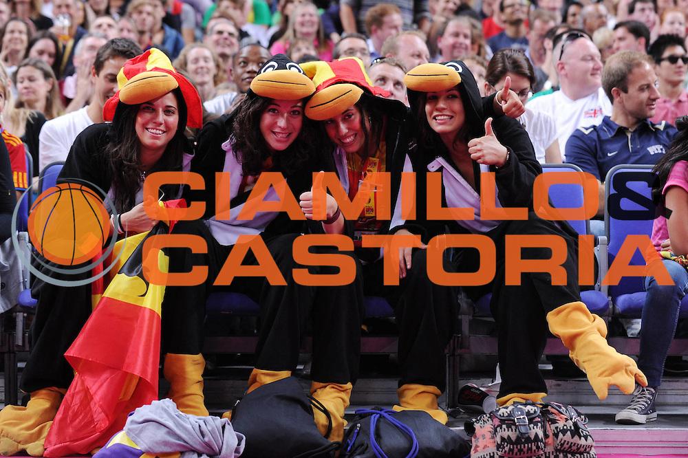 DESCRIZIONE : London Londra Olympic Games Olimpiadi 2012 Men Quarterfinal Francia Spagna France Spain<br /> GIOCATORE : Fans<br /> CATEGORIA :<br /> SQUADRA : Spain<br /> EVENTO : Olympic Games Olimpiadi 2012<br /> GARA : Francia Spagna France Spain<br /> DATA : 08/08/2012<br /> SPORT : Pallacanestro <br /> AUTORE : Agenzia Ciamillo-Castoria/M.Marchi<br /> Galleria : London Londra Olympic Games Olimpiadi 2012 <br /> Fotonotizia : London Londra Olympic Games Olimpiadi 2012 Men Quarterfinal Francia Spagna France Spain<br /> Predefinita :