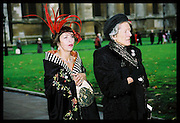 Isabella Blow and the Dowager Lady Delves Broughton. ?) Marriage of Lord Howland and Louise Crammond. St. Margaret's church, Westminster Abbey. 16 October 2000.  © Copyright Photograph by Dafydd Jones 66 Stockwell Park Rd. London SW9 0DA Tel 020 7733 0108 www.dafjones.com