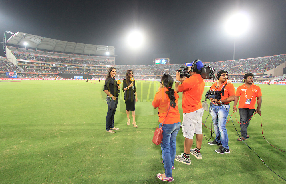 Tv anchor Shibani Dandekar and Tennis player Sania Mirza with camera crew during match 43 of the Pepsi Indian Premier League Season 2014 between the Sunrisers Hyderabad and the Kolkata Knight Riders held at the Rajiv Gandhi Cricket Stadium, Hyderabad, India on the 18th May  2014<br /> <br /> Photo by Arjun Panwar / IPL / SPORTZPICS<br /> <br /> <br /> <br /> Image use subject to terms and conditions which can be found here:  http://sportzpics.photoshelter.com/gallery/Pepsi-IPL-Image-terms-and-conditions/G00004VW1IVJ.gB0/C0000TScjhBM6ikg