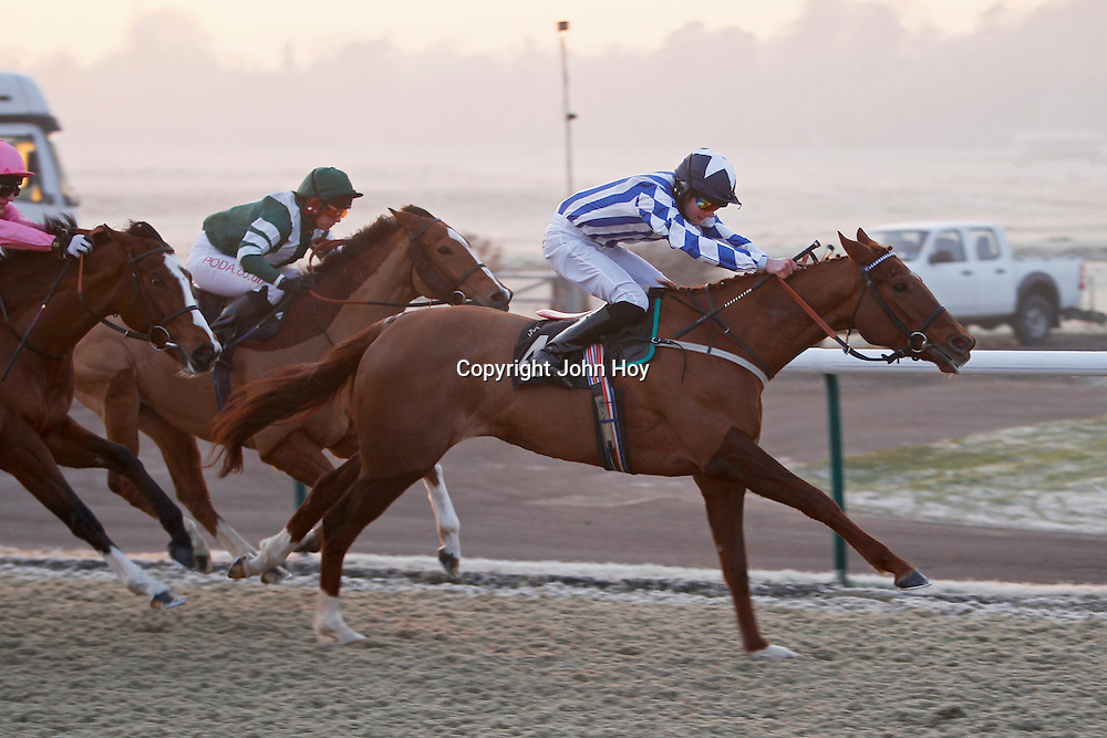Resfreshestheparts and Aaron Jones winning the 3.30 race
