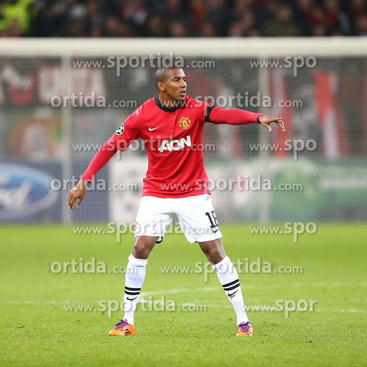 27.11.2013, BayArena, Leverkusen, GER, UEFA CL, Bayer Leverkusen vs Manchester United, Gruppe A, im Bild Ashley Young (Manchester United), Emotionen, Freisteller // during UEFA Champions League group A match between Bayer Leverkusen vs Manchester United at the BayArena in Leverkusen, Germany on 2013/11/28. EXPA Pictures &copy; 2013, PhotoCredit: EXPA/ Eibner-Pressefoto/ Neis<br /> <br /> *****ATTENTION - OUT of GER*****