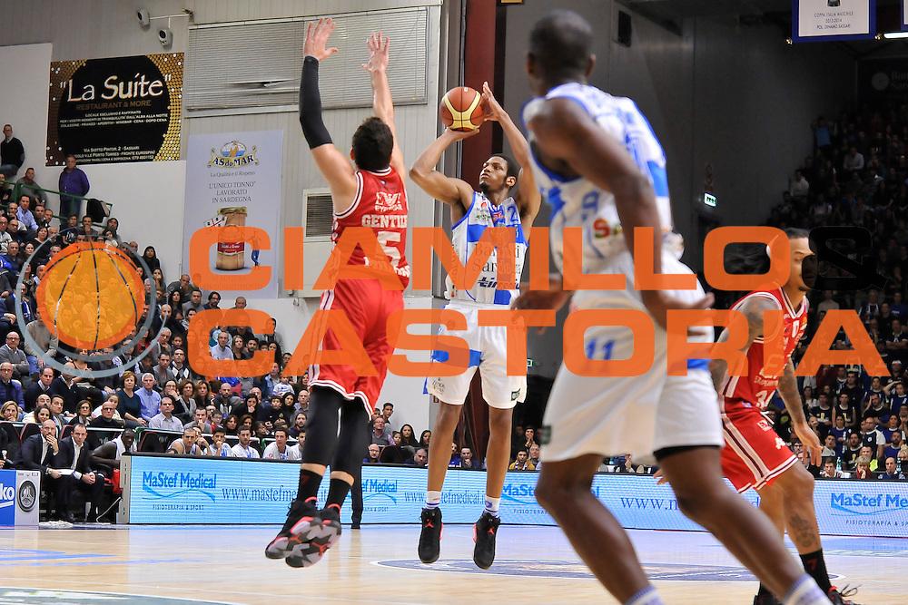 DESCRIZIONE : Campionato 2014/15 Dinamo Banco di Sardegna Sassari - Olimpia EA7 Emporio Armani Milano<br /> GIOCATORE : Jeff Brooks<br /> CATEGORIA : Tiro Tre Punti Three Point<br /> SQUADRA : Dinamo Banco di Sardegna Sassari<br /> EVENTO : LegaBasket Serie A Beko 2014/2015<br /> GARA : Dinamo Banco di Sardegna Sassari - Olimpia EA7 Emporio Armani Milano<br /> DATA : 07/12/2014<br /> SPORT : Pallacanestro <br /> AUTORE : Agenzia Ciamillo-Castoria / Claudio Atzori<br /> Galleria : LegaBasket Serie A Beko 2014/2015<br /> Fotonotizia : Campionato 2014/15 Dinamo Banco di Sardegna Sassari - Olimpia EA7 Emporio Armani Milano<br /> Predefinita :