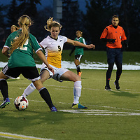 3rd year midfielder Nikita Senko (9) of the Regina Cougars in action during the Women's Soccer home game on October 7 at U of R Field. Credit: Arthur Ward/Arthur Images