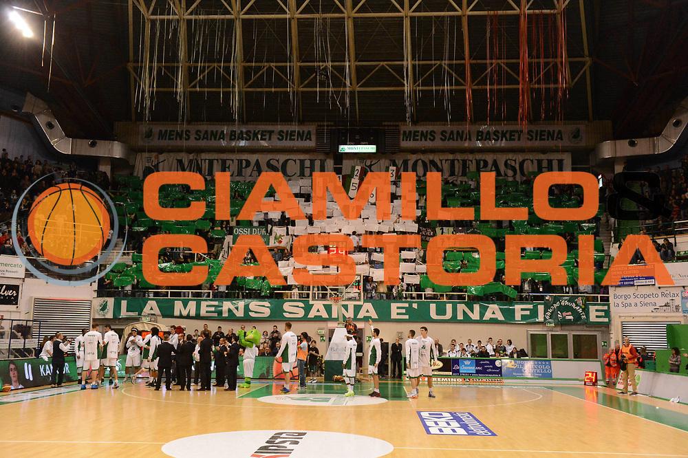 DESCRIZIONE : Siena Lega A 2012-13 Montepaschi Siena EA7 Emporio Armani Milano<br /> GIOCATORE : tifosi<br /> CATEGORIA : tifosi <br /> SQUADRA : Montepaschi Siena<br /> EVENTO : Campionato Lega A 2012-2013 <br /> GARA : Montepaschi Siena EA7 Emporio Armani Milano<br /> DATA : 05/11/2012<br /> SPORT : Pallacanestro <br /> AUTORE : Agenzia Ciamillo-Castoria/GiulioCiamillo<br /> Galleria : Lega Basket A 2012-2013  <br /> Fotonotizia :  Siena Lega A 2012-13 Montepaschi Siena EA7 Emporio Armani Milano<br /> Predefinita :