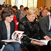 NLD/Arnhem/20111114 - Presentatie Goud op je Bord, Marianne Vos, Eica Terpstra