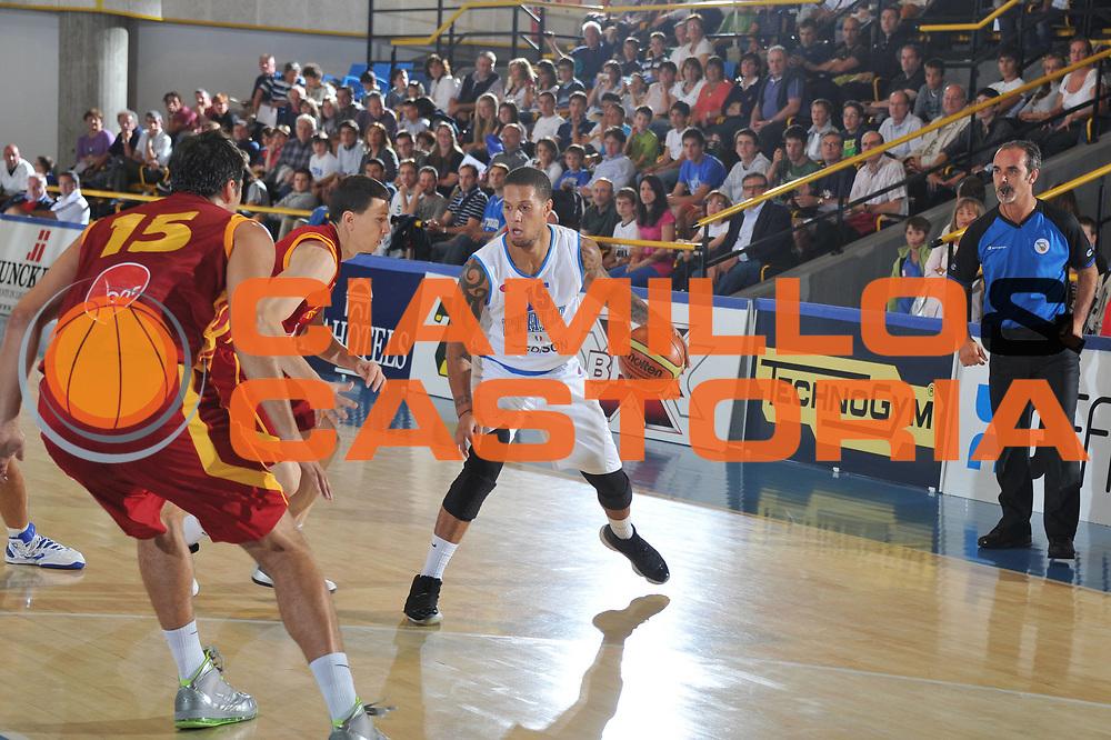 DESCRIZIONE : Bormio Torneo Internazionale Diego Gianatti Italia Macedonia<br /> GIOCATORE : Daniel Hackett<br /> CATEGORIA :  Palleggio<br /> SQUADRA : Nazionale Italia Uomini<br /> EVENTO : Torneo Internazionale Guido Gianatti<br /> GARA : Italia Macedonia<br /> DATA : 29/07/2011 <br /> SPORT : Pallacanestro <br /> AUTORE : Agenzia Ciamillo-Castoria/M.Gregolin<br /> Galleria : Fip Nazionali 2011<br /> Fotonotizia : Bormio Torneo Internazionale Diego Gianatti Italia Macedonia<br /> Predefinita :