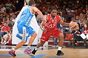 DESCRIZIONE : Milano Lega A 2014-15 EA7 Emporio Armani Milano vs Banco di Sardegna Sassari playoff Semifinale gara 1 <br /> GIOCATORE : Ragland Joe<br /> CATEGORIA : Palleggio Contropiede <br /> SQUADRA : EA7 Milano<br /> EVENTO : PlayOff Semifinale gara 1<br /> GARA : EA7 Emporio Armani Milano vs Banco di Sardegna SassariPlayOff Semifinale Gara 1<br /> DATA : 29/05/2015 <br /> SPORT : Pallacanestro <br /> AUTORE : Agenzia Ciamillo-Castoria/Richard Morgano<br /> Galleria : Lega Basket A 2014-2015 Fotonotizia : Milano Lega A 2014-15 EA7 Emporio Armani Milano vs Banco di Sardegna Sassari playoff Semifinale  gara 1 Predefinita :
