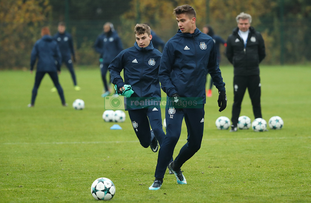 November 21, 2017 - Brussels, BELGIUM - Anderlecht's Leander Dendoncker pictured in action during a training of Belgian soccer team RSC Anderlecht, Tuesday 21 November 2017 in Brussels. Tomorrow Anderlecht is playing a game in the group stage (Group B) of the UEFA Champions League competition against German Bayern Munich. BELGA PHOTO VIRGINIE LEFOUR (Credit Image: © Virginie Lefour/Belga via ZUMA Press)