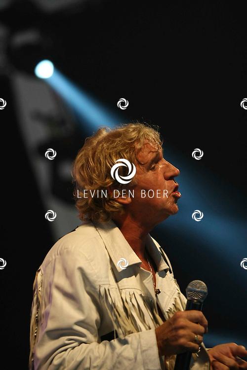 ALEM - Jacques Herb tijdens de Hollandse middag op Alempop. FOTO LEVIN DEN BOER - PERSFOTO.NU