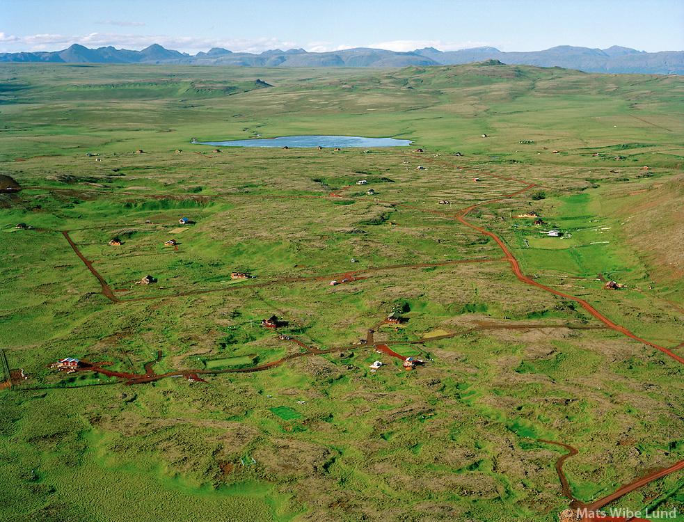 Orlofshúsahverfi, Hæðarendi. Bauluvatn í bakgrunni. Séð til norðurs. Grímsnes- og Grafningshreppur / Holiday homes in Haedarendi. Bauluvatn in background. Viewing north.  Grimsnes- og Grafningshreppur.