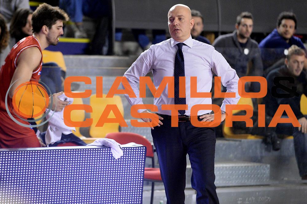 DESCRIZIONE : Roma Lega serie A 2013/14 Acea Virtus Roma Grissin Bon Reggio Emilia<br /> GIOCATORE : Massimiliano Menetti<br /> CATEGORIA : Delusione Mani<br /> SQUADRA : Grissin Bon Reggio Emilia<br /> EVENTO : Campionato Lega Serie A 2013-2014<br /> GARA : Acea Virtus Roma Grissin Bon Reggio Emilia<br /> DATA : 22/12/2013<br /> SPORT : Pallacanestro<br /> AUTORE : Agenzia Ciamillo-Castoria/GiulioCiamillo<br /> Galleria : Lega Seria A 2013-2014<br /> Fotonotizia : Siena Lega serie A 2013/14 Acea Virtus Roma Grissin Bon Reggio Emilia<br /> Predefinita :