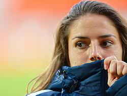 20-05-2015 NED: Nederland - Estland vrouwen, Rotterdam<br /> Oefeninterland Nederlands vrouwenelftal tegen Estland. Dit is een 'uitzwaaiwedstrijd'; het is de laatste wedstrijd die de Nederlandse vrouwen spelen in Nederland, voorafgaand aan het WK damesvoetbal 2015 / Danielle van de Donk  #11