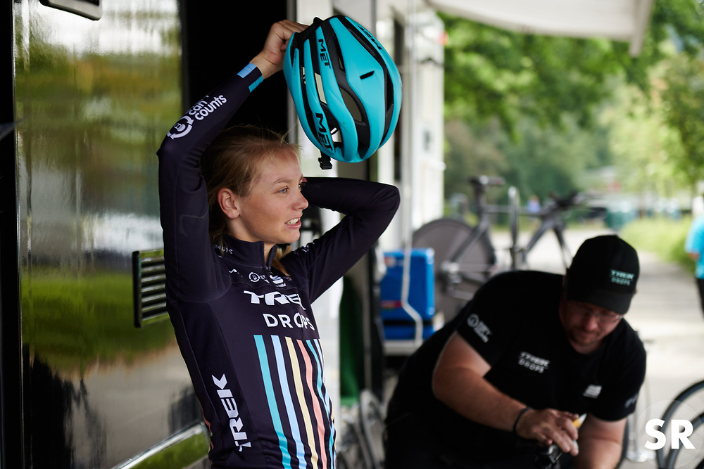 Eva Buurman (NED) prepares for Lotto Thuringen Ladies Tour 2018 - Stage 7, an 18.7 km time trial starting and finishing in Schmölln, Germany on June 3, 2018. Photo by Sean Robinson/velofocus.com