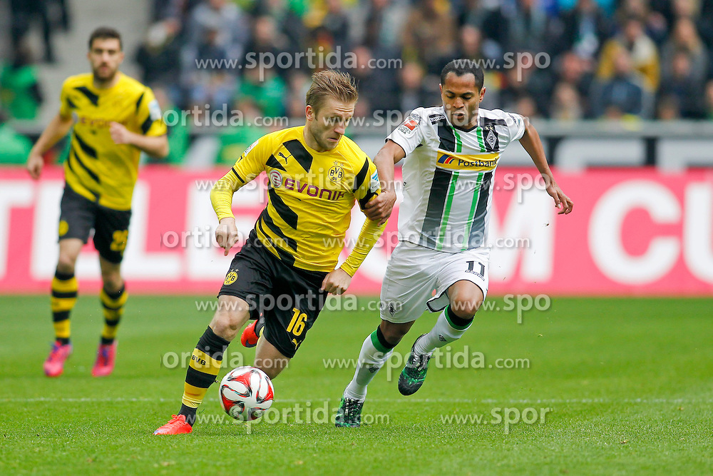 11.04.2015, Borussia Park, Moenchengladbach, GER, 1. FBL, Borussia Moenchengladbach vs Borussia Dortmund, 28. Runde, im Bild Jakub &quot;Kuba&quot; Blaszczykowski (Borussia Dortmund #16) im Zweikampf gegen Raffael (Borussia Moenchengladbach #11) // 15054000 during the German Bundesliga 28th round match between Borussia Moenchengladbach and Borussia Dortmund at the Borussia Park in Moenchengladbach, Germany on 2015/04/11. EXPA Pictures &copy; 2015, PhotoCredit: EXPA/ Eibner-Pressefoto/ Sch&uuml;ler<br /> <br /> *****ATTENTION - OUT of GER*****