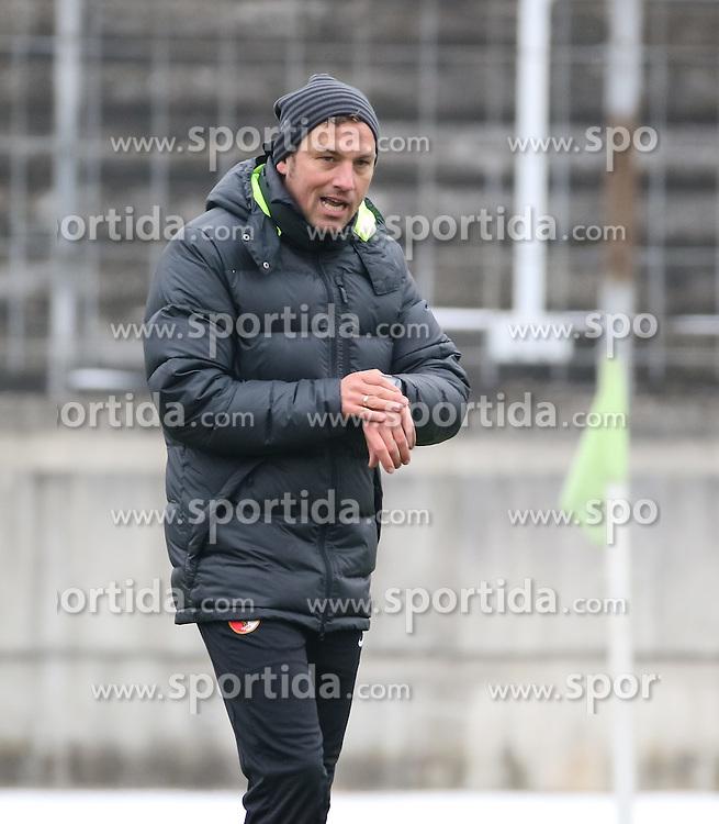 17.02.2015, Trainingsgel&auml;nde, Augsburg, GER, 1. FBL, FC Augsburg, Training, im Bild Markus Weinzierl (Trainer FC Augsburg) schaut auf die Uhr auf dem Trainingsplatz, // during a trainingssession of the german 1st bundesliga club FC Augsburg at the Trainingsgel&auml;nde in Augsburg, Germany on 2015/02/17. EXPA Pictures &copy; 2015, PhotoCredit: EXPA/ Eibner-Pressefoto/ Krieger<br /> <br /> *****ATTENTION - OUT of GER*****