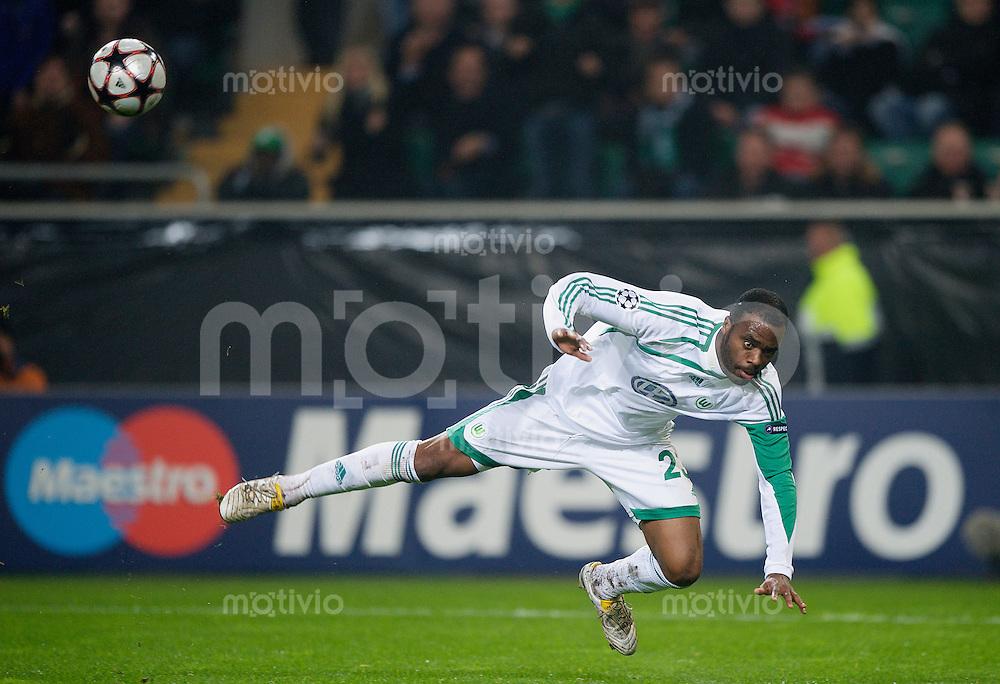 Fussball Uefa Champions League VFL Wolfsburg - Manchester United FC GRAFITE (Wolfsburg) mit Flugeinlage.