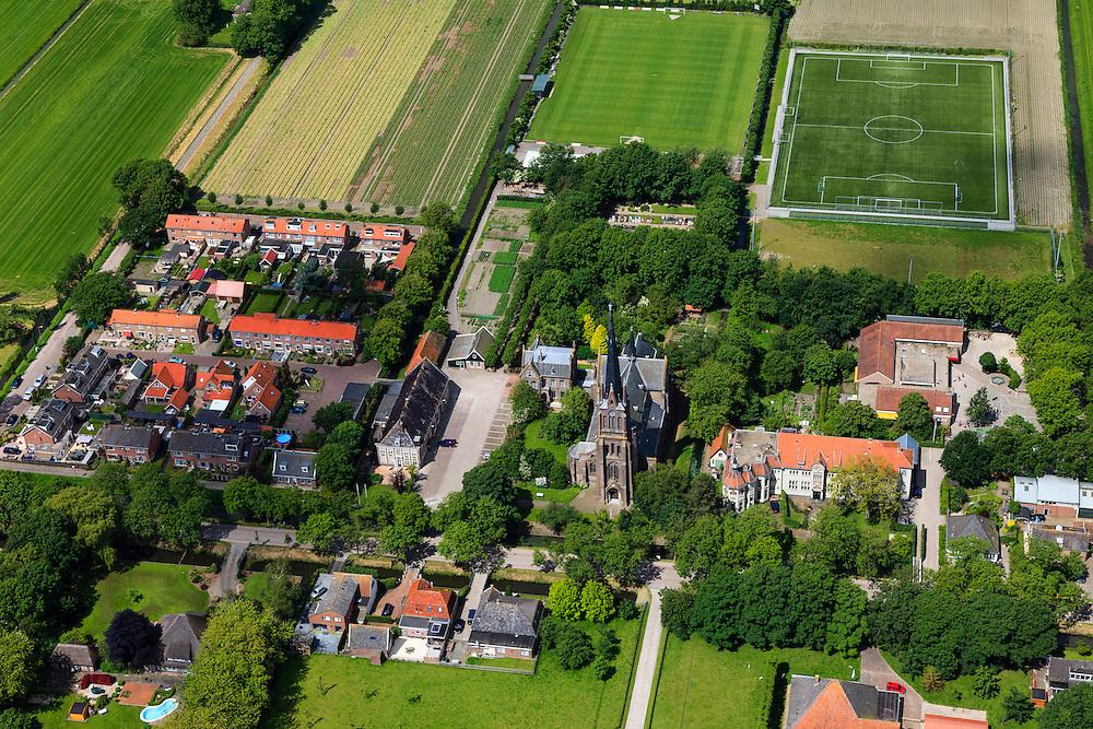 Nederland, Noord-Holland, Beemster, 14-06-2012; De Beemster, 400 jaar 1612 - 2012. het dorp Westbeemster. De 17e eeuwse droogmakerij, met haar  beroemde geometrische verkaveling, maakt deel uit van het wereld erfgoed (Unesco werelderfgoedlijst).The famous geometrical well-ordered polder Beemster, 17th century  reclaimed landscape, Unesco world heritage..luchtfoto (toeslag), aerial photo (additional fee required);.copyright foto/photo Siebe Swart