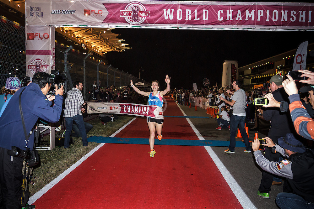 Beer Mile World Championships, Inaugural, Women's Elite race, Elizabeth Herndon wins, sets new world record