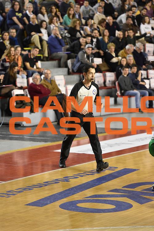 DESCRIZIONE : Roma Lega A 2014-15 <br /> Acea Virtus Roma - Sidigas Avellino <br /> GIOCATORE : <br /> CATEGORIA : arbitro<br /> SQUADRA : Acea Virtus Roma<br /> EVENTO : Campionato Lega A 2014-2015 <br /> GARA : Acea Virtus Roma - Sidigas Avellino <br /> DATA : 04/04/2015<br /> SPORT : Pallacanestro <br /> AUTORE : Agenzia Ciamillo-Castoria/GiulioCiamillo<br /> Galleria : Lega Basket A 2014-2015  <br /> Fotonotizia : Roma Lega A 2014-15 Acea Virtus Roma - Sidigas Avellino