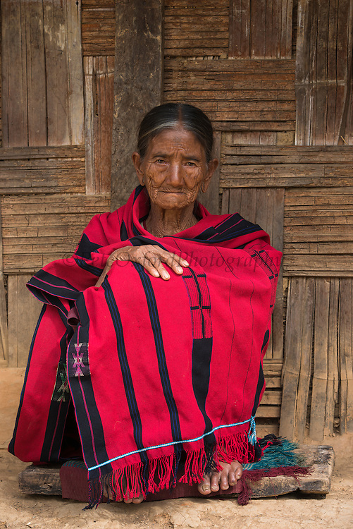 Chang Naga traditional shawl<br /> Chang Naga headhunting Tribe<br /> Tuensang district<br /> Nagaland,  ne India
