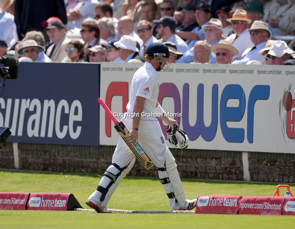 Ian Bell walks off out for a duck during the first npower Test Match between England and India at Lord's Cricket Ground, London.  Photo: Graham Morris (Tel: +44(0)20 8969 4192 Email: sales@cricketpix.com) 24/07/11