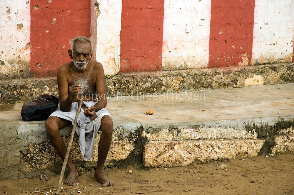 Old man at Nallur Temple.