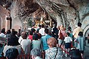Spanje, Covadonga, 28-5-2007In de gemeente Cangas de Onis, in het Asturiaanse deel van de Picos de Europe, ligt het katholieke heiligdom Covadonga, waar volgens de overlevering de Spaanse Reconquista begon. Pelgrims vereren hier de heilige maagd maria.Foto: Flip Franssen/Hollandse Hoogte