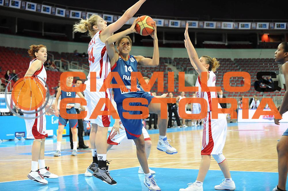 DESCRIZIONE : Riga Latvia Lettonia Eurobasket Women 2009 Qualifying Round Turchia Francia Turkey France<br /> GIOCATORE : Emmeline Ndongue<br /> SQUADRA : Francia France<br /> EVENTO : Eurobasket Women 2009 Campionati Europei Donne 2009 <br /> GARA : Turchia Francia Turkey France<br /> DATA : 14/06/2009 <br /> CATEGORIA : tiro<br /> SPORT : Pallacanestro <br /> AUTORE : Agenzia Ciamillo-Castoria/M.Marchi