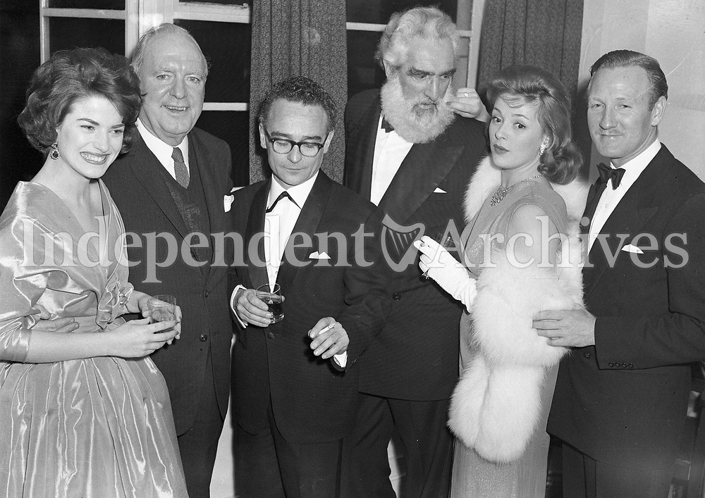 R2444<br />