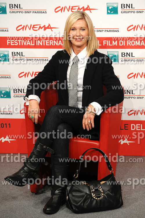 28.10.2011, Auditorium Parco Della Musica, Rom, ITA, Interationales Filfestival Rom 2011, im Bild Olivia Newton John mit dem Film, A few best men // Olivia Newton John. during Photocall for the Film 'A few best men' at International Rome Film Festival at Auditorium Parco Della Musica, Rome, Italy on 28/10/2011. EXPA Pictures © 2011, PhotoCredit: EXPA/ InsideFoto/ Andrea Staccioli +++++ ATTENTION - FOR AUSTRIA/(AUT), SLOVENIA/(SLO), SERBIA/(SRB), CROATIA/(CRO), SWISS/(SUI) and SWEDEN/(SWE) CLIENT ONLY +++++